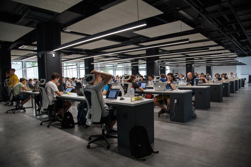 4 Advantages Of Custom Call Centre Application Development